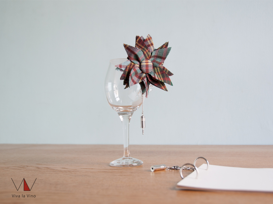 ワイングラスへのオーダーメイドドレス -ストリートスタイル-