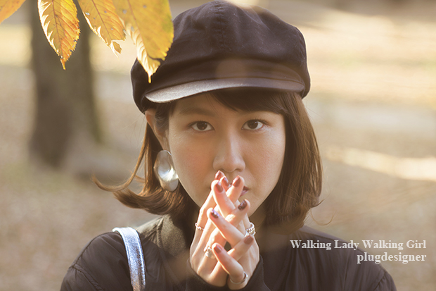 Walking Lady Walking Girl_34