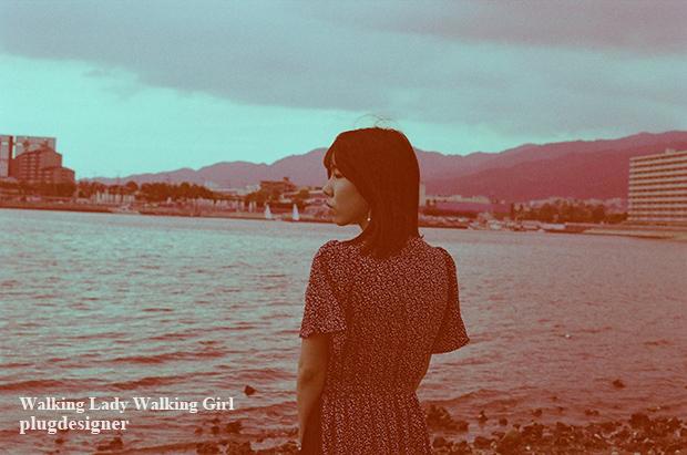 Walking Lady Walking Girl_93